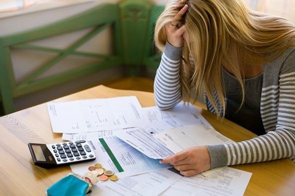 Descontrole financeiro está entre principais causas da inadimplência no país